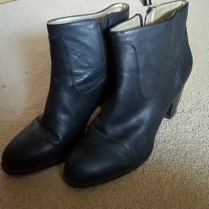 Size 10 chaps heeled boots